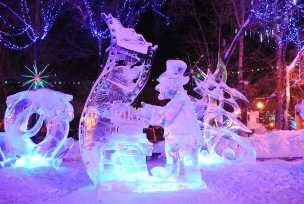 Ледяные скульптуры на центральной площади города - 26 Декабря 2016 - Блог